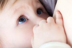Baby-Breastfeed