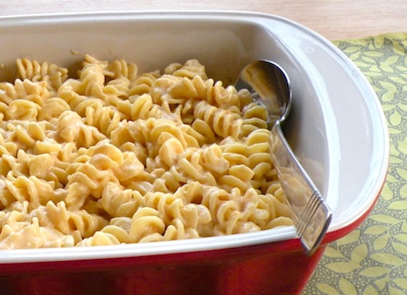 Cheezy Pasta and Chikky Sauce