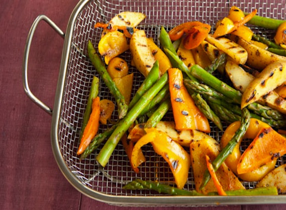 Grilled Asparagus and Sweet Pepper Salad